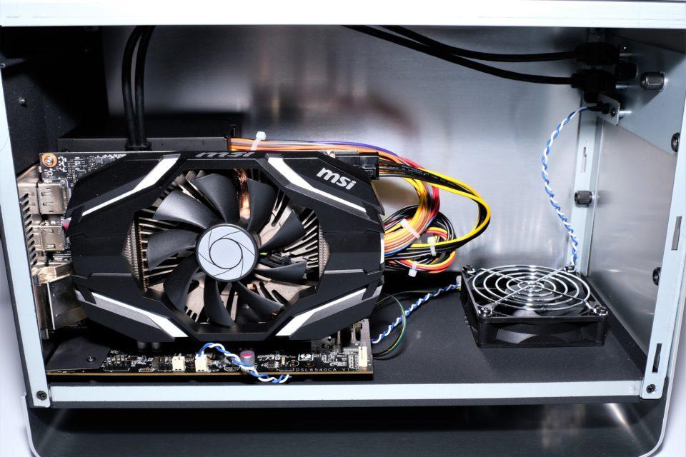 パソコン工房 GPU BOX
