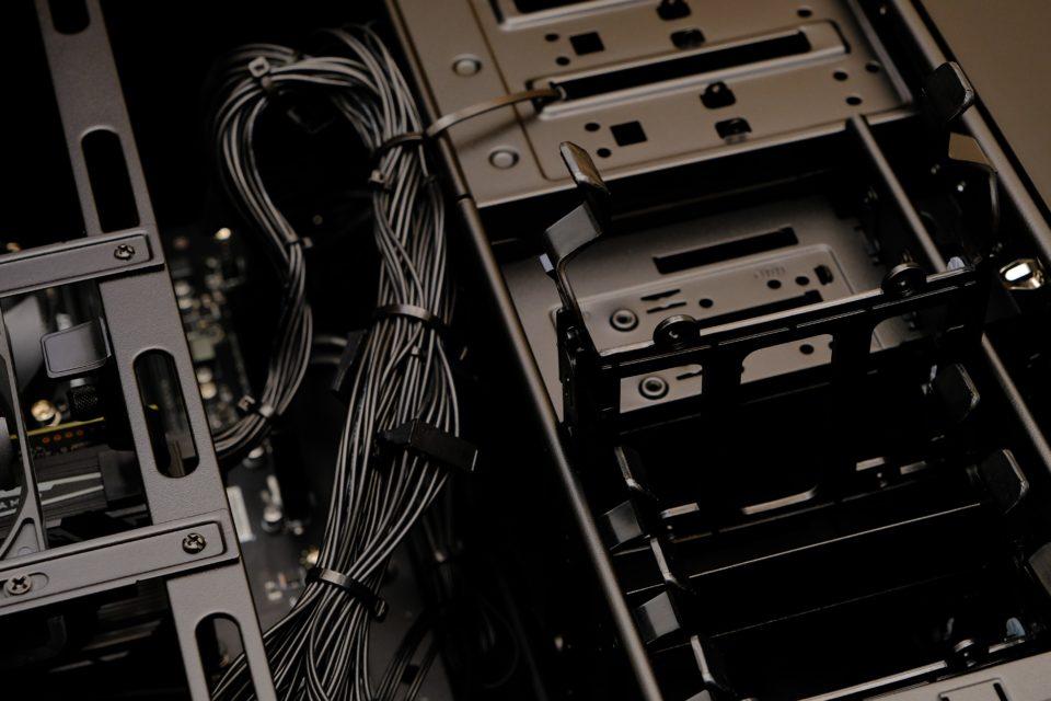 DAIV Z5,HDD,メーカー,ベイ,スロット