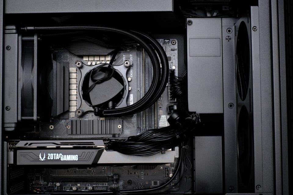 G-Tune XM-Z,内部写真,中身,水冷クーラー,マウスコンピューター,